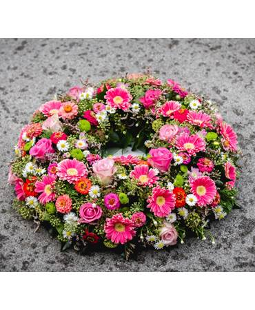 Funeral wreath fuchsia